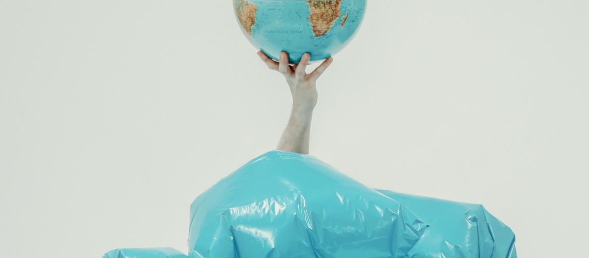 Der Plastik-Abfall in Europa soll weniger werden. Quelle: Plainpicture/ Öko-Institut