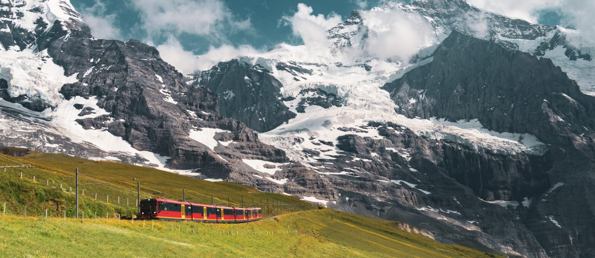 The Jungfraubahn is a train that runs from Kleine Scheidegg to the highest railway station in Europe at Jungfraujoch, Quelle: Patrick Robert Doyle/Unsplash